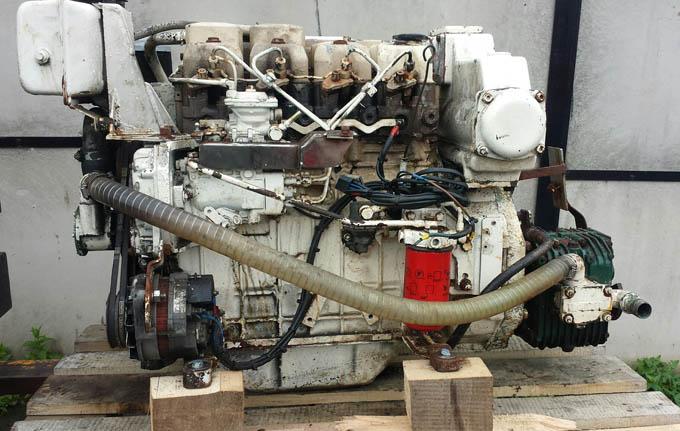 VM HR492H9 Marine Engine